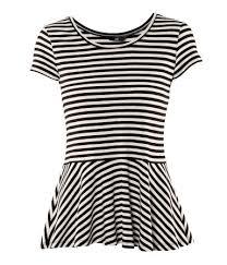 Ako ste vitki ali imate malo naglašeniji stomak ovakva majica je idealna za vas