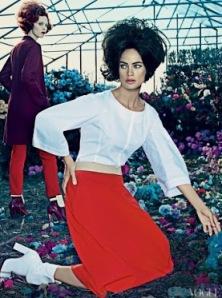 Crvena suknja bela bluza,zasto da ne?