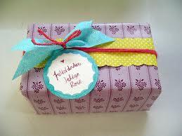 Napišite svojom rukom poruku na poklonu!