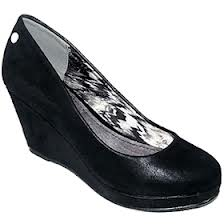 Ako vam je udobnost na prvom mestu kožna cipela sa ortopedskom petom je još uvek u modi