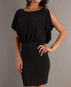 Mala crna haljina je pun pogodak za sve vrste svečanosti