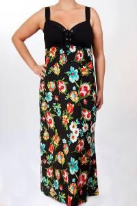 Duga haljina,cvetni dezen na crnoj osnovi prikriva nedostatke