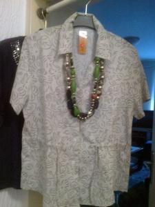 Bluza lan 90%,pamuk10%,vel.XL,velika,moye i ko nosi 2XL,cena 500 dinara