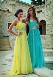 Ako volite duge haljine,one su uvek moderne