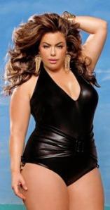 Crni kupaći kostim je omiljen kod punijih dama