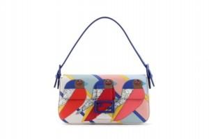 Ptičji motiv na torbici
