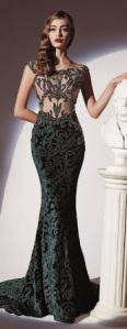Duga haljina-večita elegancija